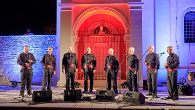 Klape (a cappella vocal bands) in the piazza