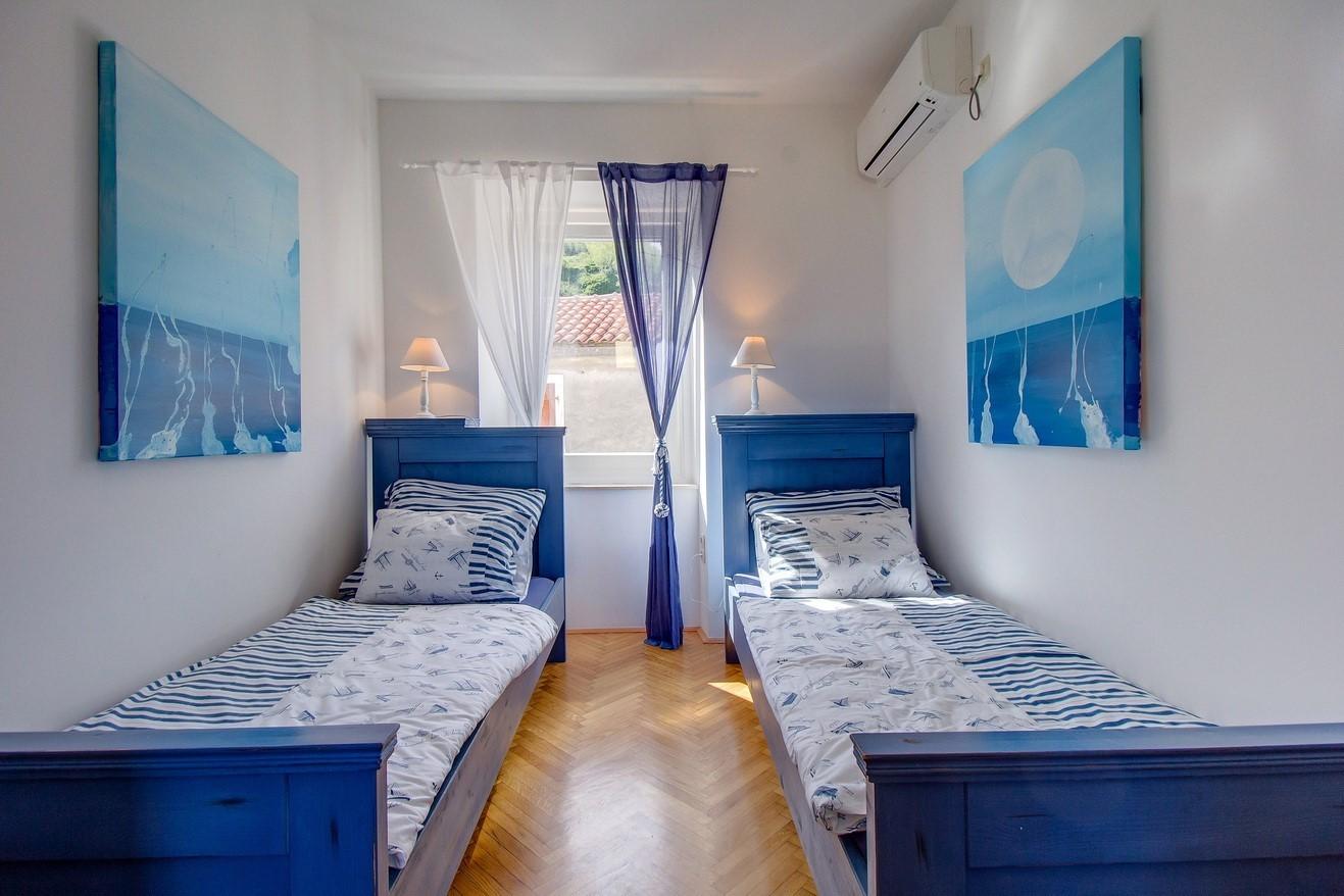 small friendly hotel sansegus